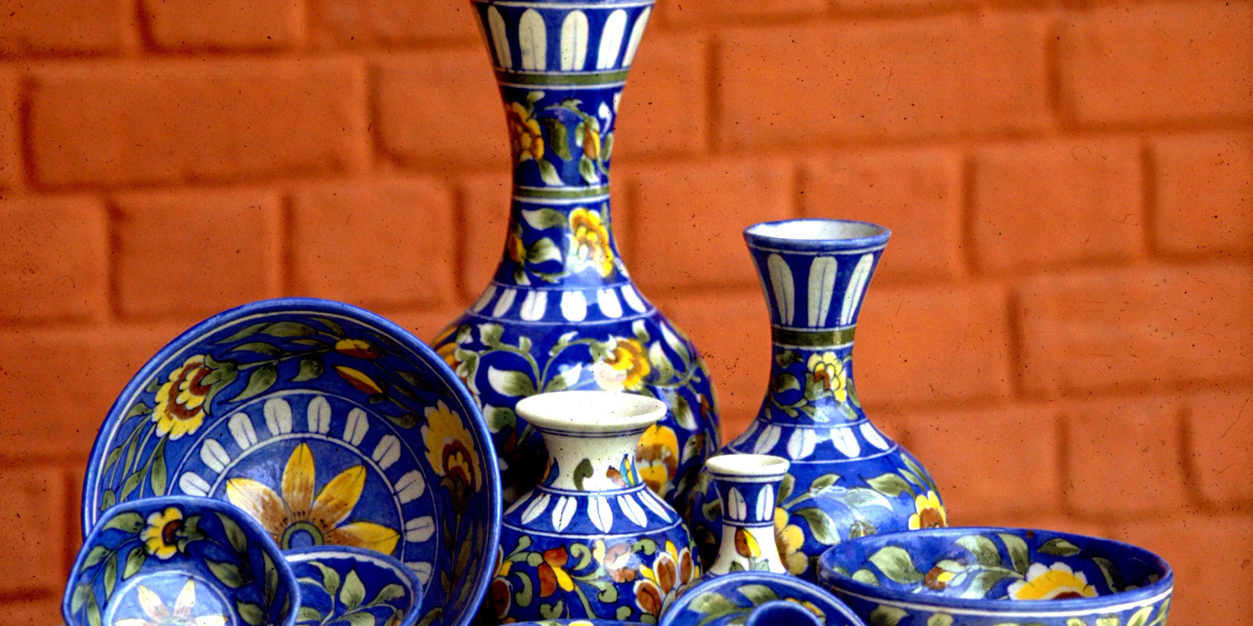 Ceramics & Clay Handicrafts Supplier